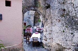 Anfahrt zum Restaurant und Pizzeria Calabria mit knuspriger traditioneller italienischen Pizza sowie Lieferservice in Oelde.